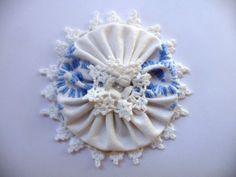 Shabby Blume weiß blau Vintage Retro Spitze Perle Landhaus Stickerei Handarbeit