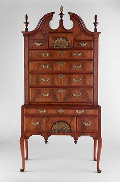 1730-1760 American (Massachusetts) Chest of drawers at the Metropolitan Museum of Art, New York