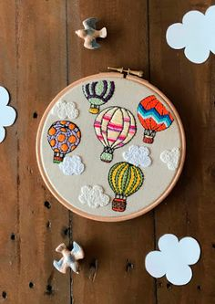 Monday Motivation 17 FREE Embroidery Patterns + Tutorials | Go-Go Kim Simple Embroidery Designs, Embroidery Stitches Tutorial, Embroidery On Clothes, Embroidery Flowers Pattern, Creative Embroidery, Hand Embroidery Stitches, Embroidery Hoop Art, Hand Embroidery Patterns Free, Stitching Patterns
