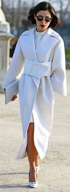 "sapphiree: """" Paris Fashion Week, Fall 2013 Photographed by Phil Oh (via Vogue Street Style) "" Beyond beautiful. Looks Street Style, Looks Style, Looks Cool, White Fashion, Look Fashion, Autumn Fashion, Paris Fashion, Street Fashion, Classic Fashion"