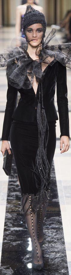Fall 2017 Haute Couture Armani Privé
