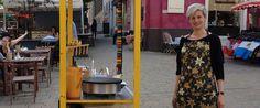 Crêpe-Stand am Kutschkermarkt, Schürze von Yukatas Andmore Batik