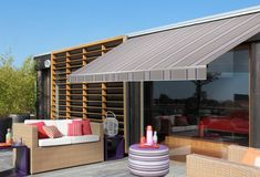 D109 Brooklyn - Orchestra - Folding arm awning