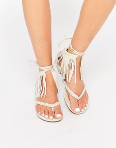 Image 1 - Glamorous - Spartiates enveloppantes à franges - Taupe  Spartiates, Franges, Chaussure 52e5a13fce7e