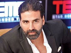 It would have been so great to see Akshay Kumar playing five different characters in Omung Kumar's 'Five'! Sadly, that's not going to happen.