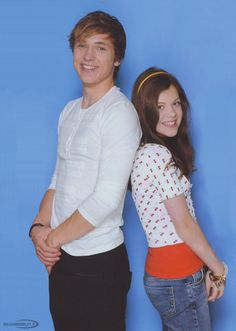 Georgie Henley and William Moseley...oh sweet british mama he is extremely good looking.