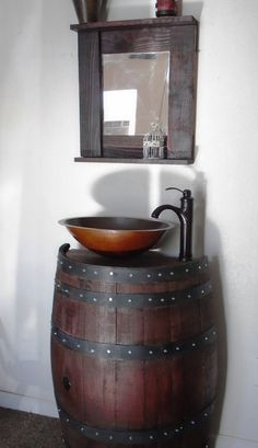 He encontrado este interesante anuncio de Etsy en https://www.etsy.com/es/listing/233467254/combo-vintage-french-wine-barrel-accent