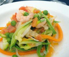 Espaguete de Legumes com Camarão
