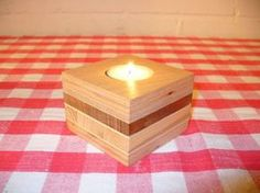 DIY scrap wood candle holder - plus 26 more woodworking projects for beginners Kids Woodworking Projects, Woodworking Shows, Wood Projects For Beginners, Small Wood Projects, Scrap Wood Projects, Wood Working For Beginners, Popular Woodworking, Diy Pallet Projects, Woodworking Plans