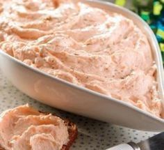 Entrante navideño: Paté de salmón o trucha ahumada con Thermomix® , una receta de Aperitivos, entrantes y tapas, elaborada por MILA MORENO SOLSONA. Descubre las mejores recetas de Blogosfera Thermomix® Barcelona