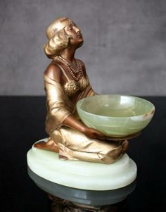 Art Déco - Statuette Coupe - The Offering - Lorenzl