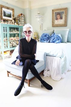 Keep getting drawn to rooms with these colors. // Linda Rodin of RODIN olio lusso - RODIN olio lusso Creator - ELLE