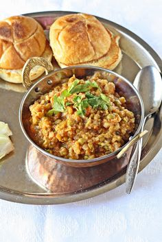 Versatile Vegetarian Kitchen: Pav Bhaji / Indian Sloppy Joes