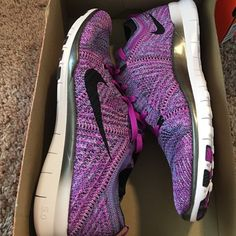 Nike free run 4.0 flyknit Brand new Nike Shoes Athletic Shoes