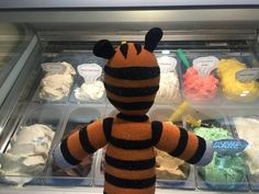 A Little Boy Lost His Stuffed Tiger At An Airport, But Then Something Super Cute Happened - BuzzFeed News