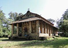 Éthiopie - L'Église Debré Berhan Sélassié, «mont de la lumière de la Trinité», est une ancienne et très célèbre église éthiopienne orthodoxe située sur une colline à la limite nord, vers le nord-est de la ville de Gondar, en Éthiopie. Elle se trouve au centre de la zone conventuelle.