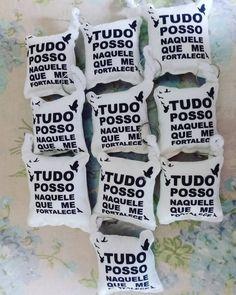 Amo o que faço  #almochaveiropersonalizado #Chaveiros #frases #almofadas #top #bíblica #salvo #carinho #preto #respeito #adulta #branco…