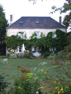 early autumn in my french garden - Sharon Santoni myfrenchcountryho. - early autumn in my french garden – Sharon Santoni myfrenchcountryho… - My French Country Home, French Cottage, French Farmhouse, Beautiful Gardens, Beautiful Homes, Beautiful Places, Simply Beautiful, French Architecture, Up House