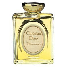 Happy spring days. A bouquet of lilly of the valley 'hidden' behind your ear, in your hair - Diorissimo...