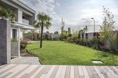 Giardini Reggio Emilia: Progettazione realizzazione giardini, piscine, laghetti,aiuole e costruzione esterne in muratura.Servizi di potatura e giardinaggio