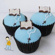 Decoración dulces primera comunión. Muffins comunión niño Tea Cakes, Mini Cakes, Cupcake Cakes, Boy Communion Cake, First Holy Communion, Baby Shower Cupcakes For Boy, Children's Church Crafts, Baptism Cookies, Religious Cakes