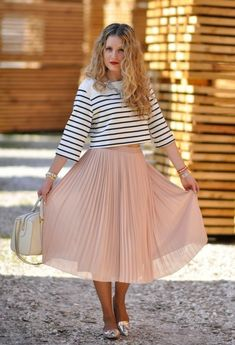 CLASSIC[spring]: striped shirt; nude, pleated, chiffon skirt