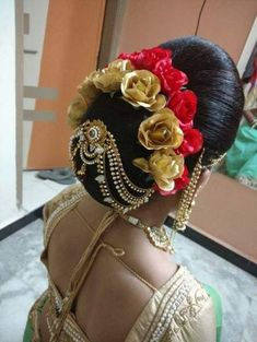 wedding hair accessories for curly hair Saree Hairstyles, Indian Wedding Hairstyles, Bride Hairstyles, Office Hairstyles, Stylish Hairstyles, Hairstyles Videos, Hairstyle Short, School Hairstyles, Hair Updo
