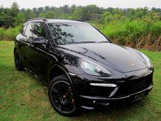 Atzerocost — Porsche Cayenne GTS Nobody is perfect, but if you. Porsche 356, Porsche 2017, Audi, Porsche Cars, Sports Car Rental, Luxury Car Rental, Luxury Suv, Porche Cayenne, Porsche Cayenne Gts
