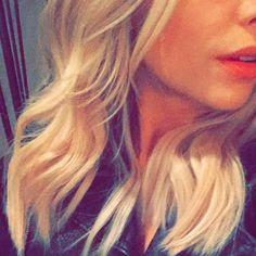 Ashley Benson change de coupe de cheveux ! Juste en enlevant ses extensions. #PLL #Mode