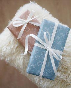 Wildflower-wrapping papers | KOHTEESSA. #wrappingpaper #wrappingpapers #giftideas #wrappingideas #giftwrappingideas #wrappinginspiration #ecofriendly #papershop #paperproducts #keyflag #madeinfinland #designfromfinland #crafting #diy #lahjapaperi #paketointi #lahjapaketointi #paketointiidea #kotimainen #ekologinen #verkkokauppa #lahjojenpaketointi #askartelu #askertuideoita Wrapping Ideas, Gift Wrapping, Wild Flowers, Latte, Eco Friendly, Wraps, Paper, Gifts, Design