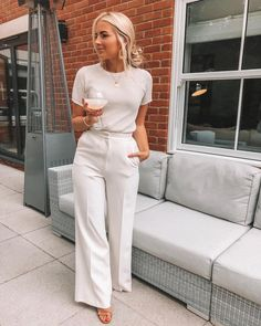 Check out these trendy weekend outfit ideas and get inspired Dresses, shirts, skirts and more ideas that are trendy, stylish and easy to wea. Business Outfit, Business Casual Outfits, Professional Outfits, Classy Outfits, Business Professional, Business Fashion, Young Professional, Trendy Outfits, Mode Outfits
