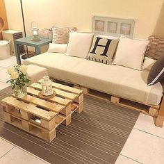 Now you can earn use of recycled pallet wood to create innovative and more handy parts of furniture for coffee table. There are two major varieties of wood pallets. 1 important thing with pallet furniture is you will want to finish it. Pallet Couch, Wooden Pallet Furniture, Wooden Pallets, Home Furniture, Pallet Tables, 1001 Pallets, Indoor Furniture Ideas, Outdoor Furniture, Furniture Plans
