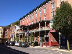 The Jim Thorpe Inn... restored from the New American Hotel which rose from the ashes of the White Swan Hotel (built in 1833 but destroyed in the great fire of 1849)...