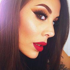 Pinterest: LadyKillerr☼☼ Natural Lips, Makeup Looks, Love Makeup, Sexy Makeup, Pretty Makeup, Gorgeous Makeup, Photo Makeup, Flawless Makeup, Kiss Makeup