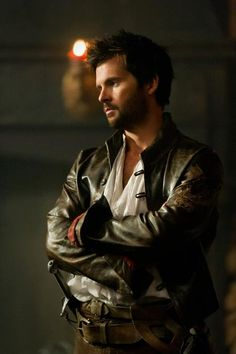 Gorgeous new still of Tom Riley as Leonardo da Vinci in Da Vincis Demons. Shared by FOX TV UK.
