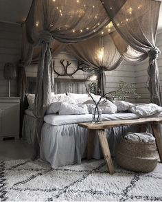 41 Glamorous Canopy Beds Ideas For Romantic Bedroom. Glamorous Canopy Beds Ideas For Romantic Bedroom 37 Ever since I was a child, I have adored canopy beds. Growing up, my parents had a great wrought iron […] Dream Rooms, Dream Bedroom, Pretty Bedroom, Fantasy Bedroom, Female Bedroom, Gypsy Bedroom, Cozy Bedroom, White Bedroom, Bedroom Bed