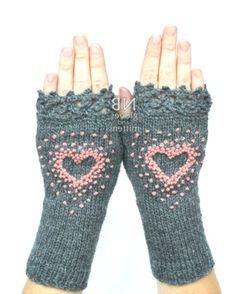 Pink Heart Gloves Gray Knitted Fingerless Gloves Embroidered Heart Gloves & Mittens Gift Ideas Dark Grey Rose Pink Gift For Her Diy Tricot Crochet, Crochet Gloves Pattern, Crochet Shoes, Fingerless Gloves Knitted, Knit Mittens, Hand Knitting, Knitting Patterns, Knitting Ideas, Crochet Patterns