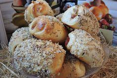 В моята кухня с мен Ваня Джорджевич: Кифлички с локум и орехи.