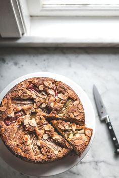 Baking Magique | Rhubarb and Orange Almond Cake | http://www.bakingmagique.com