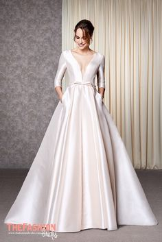 Atelier Emé is an Italian brand with a strong tradition and expertise in the creation and production of Bridal gowns.The design and production inside the company are typically Italian with high c…