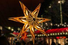 Weihnachten in London: Die schönsten Erlebnisse im Winter Weihnachten In London, Barcelona, Winter, Christmas Ornaments, World, Holiday Decor, Xmas Lights, Road Trip Destinations, Tips