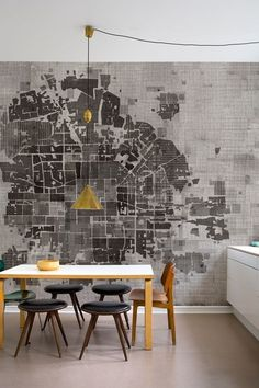 Map wallpaper by Wall and Deco.  See more at goo.gl/Zqx2Qh