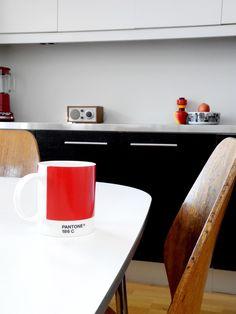 Via Babyramen | Black White Wood | Kitchen | Pantone Mug