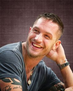 Tom Hardy : un sourire craquant