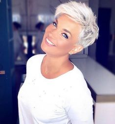 The 68 Greatest Blonde Pixie Hairstyles and Haircuts that Must You Try - Frisuren femme Pixie Haircut For Thick Hair, Short Pixie Haircuts, Emo Haircuts, Blonde Pixie Cuts, Platinum Blonde Pixie, Blonde Pixie Haircut, Short Pixie Cuts, Haircut Short, Poxie Haircut