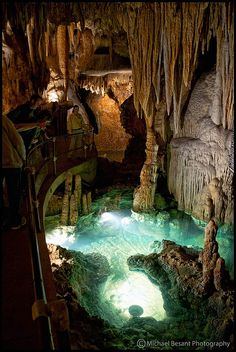 the wishing well at luray caverns, virginia