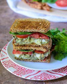 Avocado Egg Salad Healthy Egg Salad, Avocado Egg Salad, Healthy Snacks, Healthy Eating, Healthy Recipes, Tuna Salad, Diet Recipes, Clean Eating, Egg Salad Sandwiches