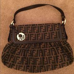 HOST PICK ?? 100% GUCCI Bag ?? | Gucci, Bolsos Gucci y Limpia