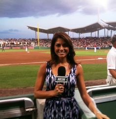 Jenny Dell Offers Glimpse Into a Day in the Life of a Red Sox Reporter
