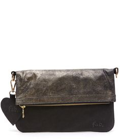 The clutch that never sleeps is de perfecte clutch voor een avond uit!